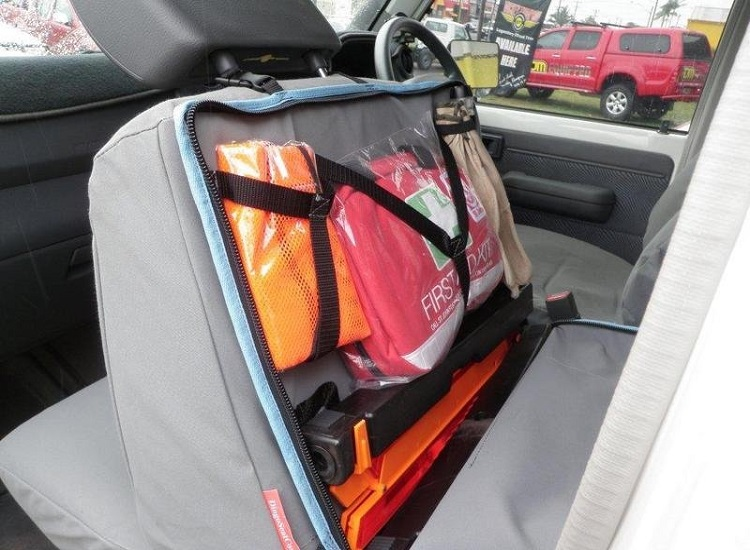 5 Essential Items the New Driver Should Always Carry